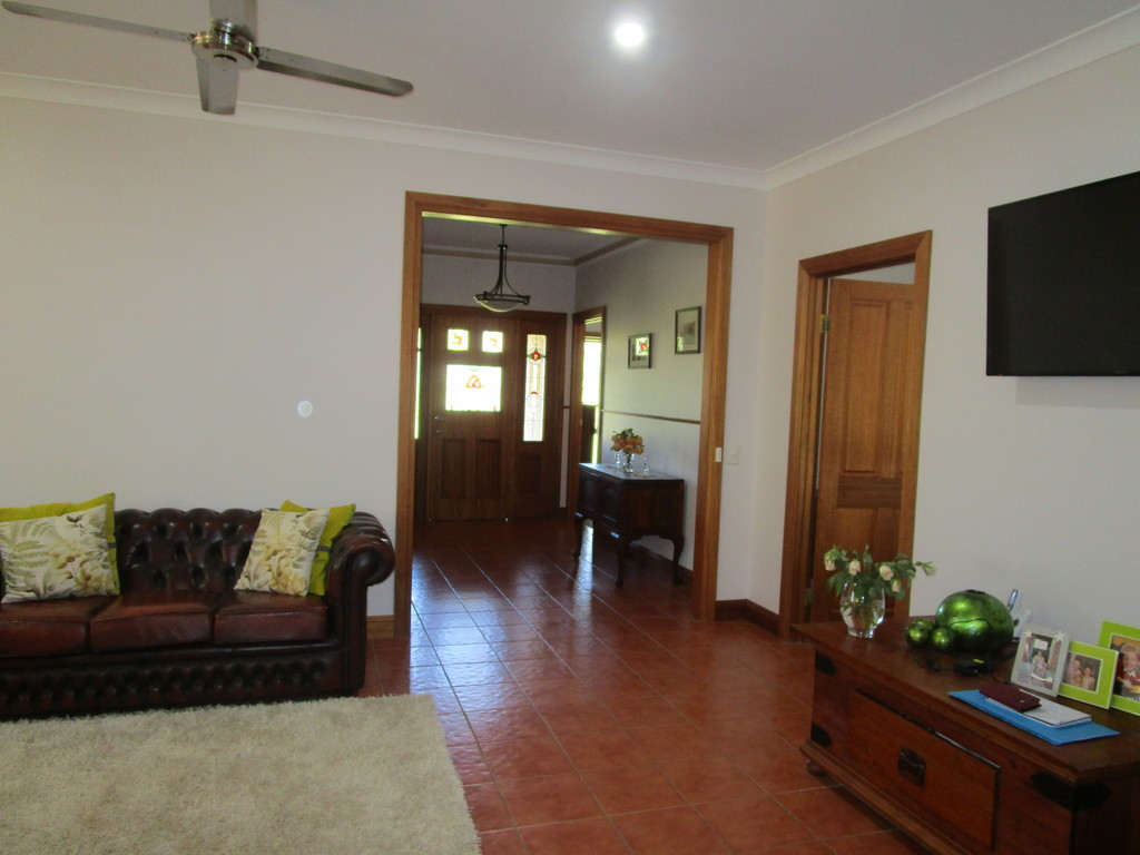 212 McKenzie Road BARMERA SA 5345 Andrews Property