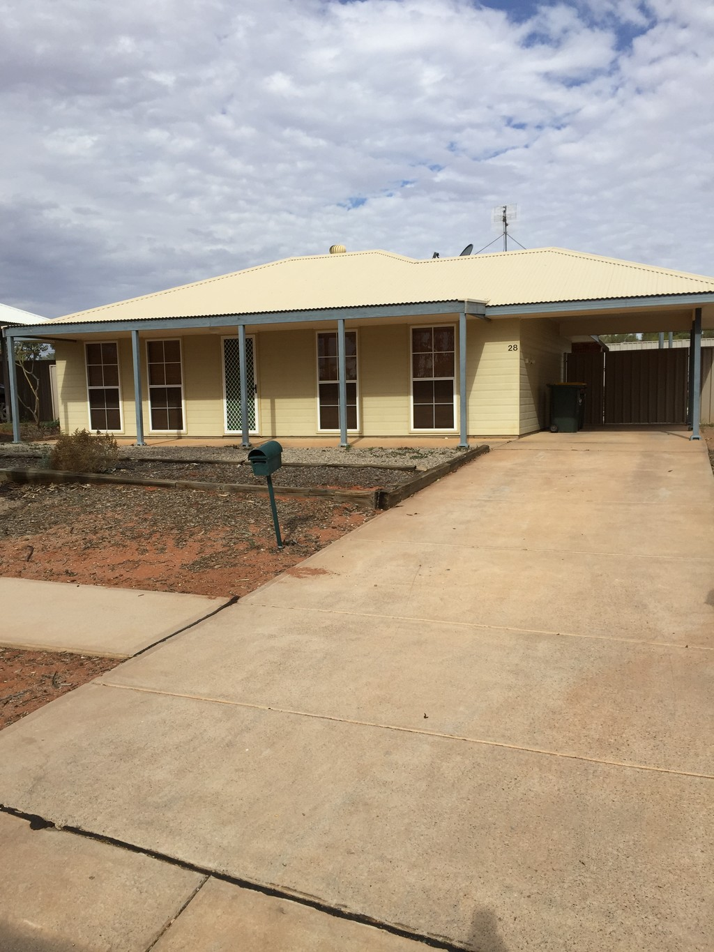 28 Pine Crescent ROXBY DOWNS SA 5725Andrews Property