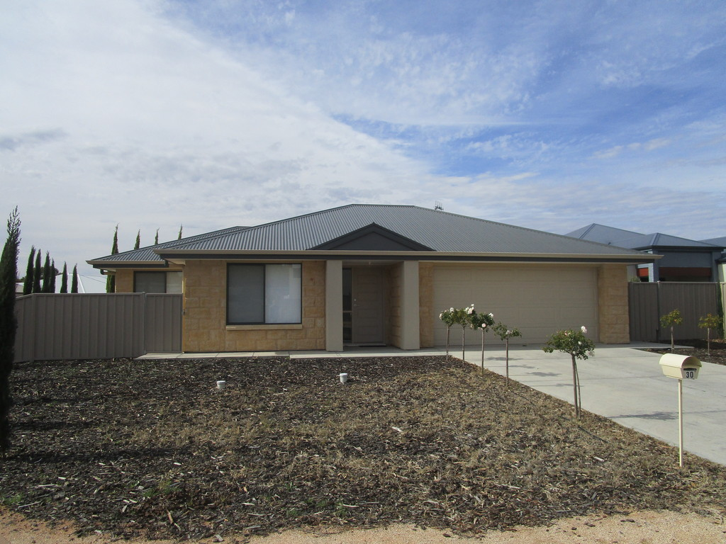 30 Ian Showell Drive RENMARK SA 5341Andrews Property