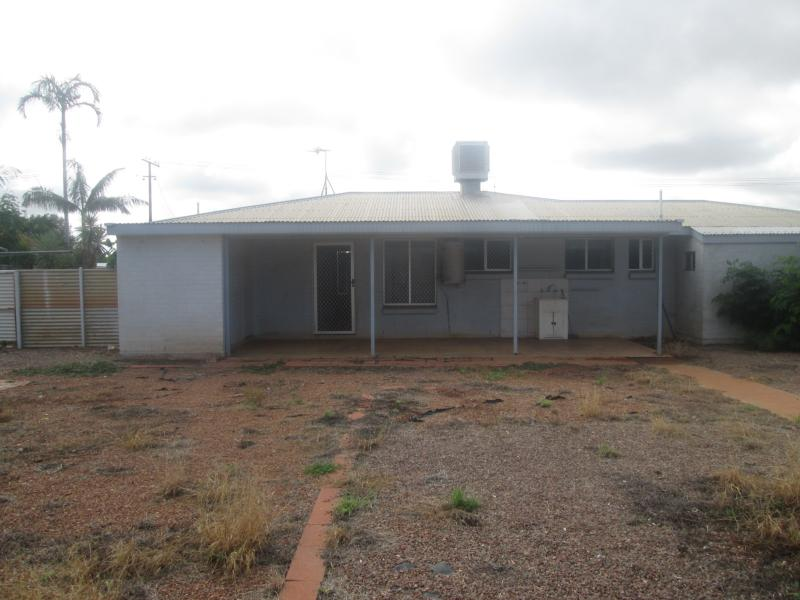 27 Hollis TENNANT CREEK NT 860 Andrews Property