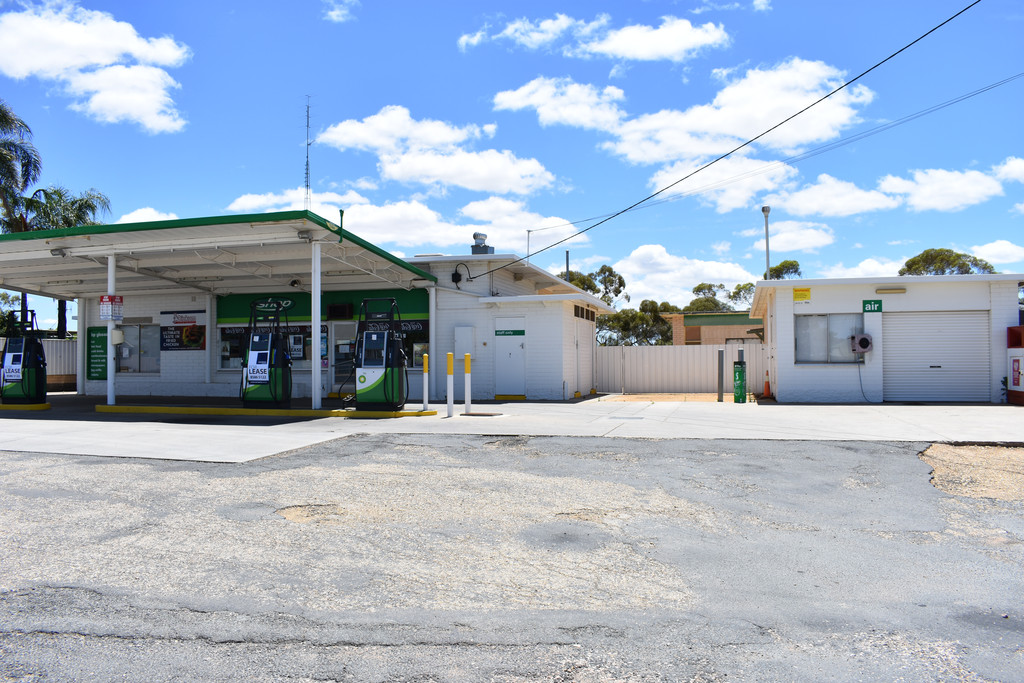 7-9 Anderson Street GLOSSOP SA 5344 Andrews Property