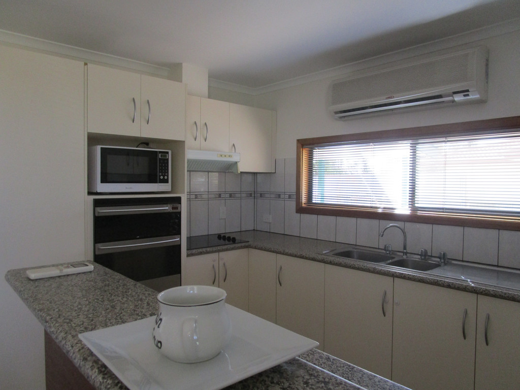 4 Betty Street LOXTON SA 5333 Andrews Property