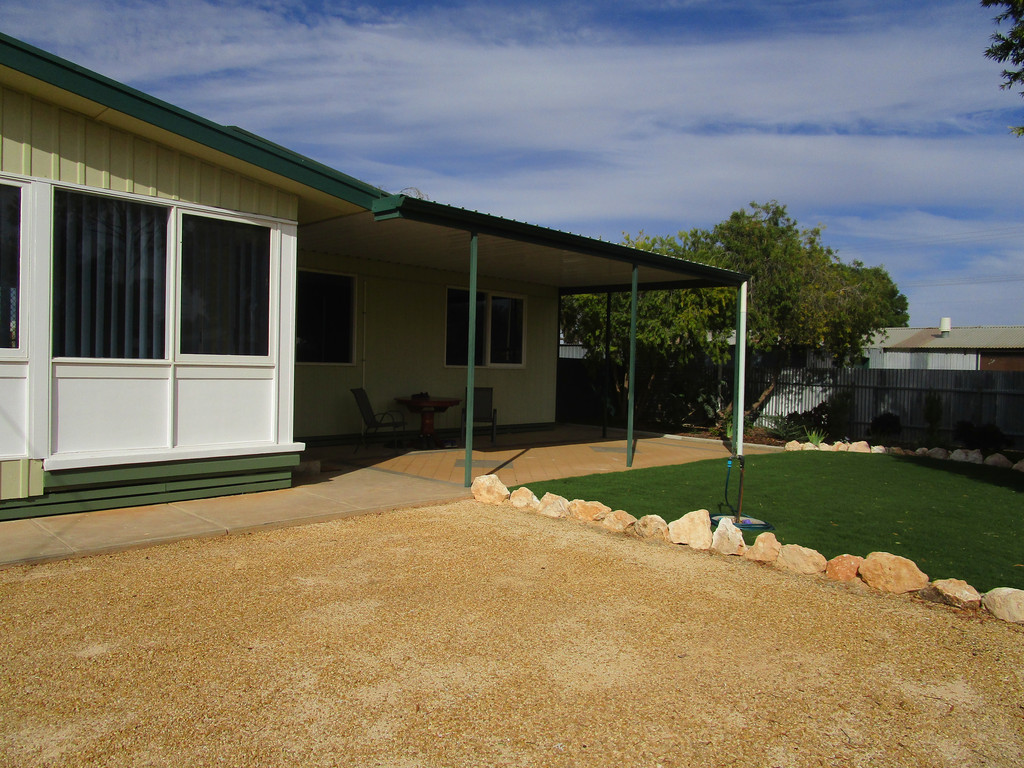 4 Betty Street LOXTON SA 5333Andrews Property