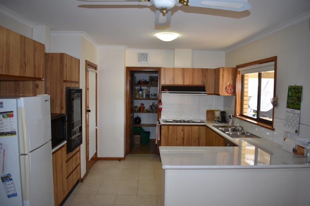 3 Anderson Street LOXTON SA 5333 Andrews Property