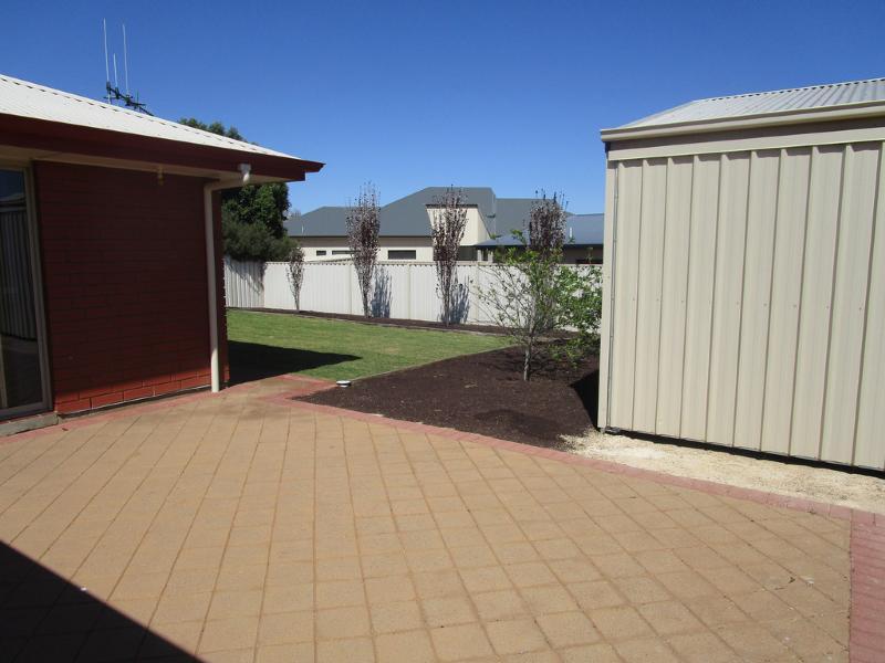 8 Fisher Drive BERRI SA 5343 Andrews Property