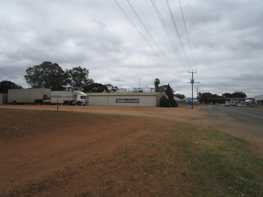 611 Old Sturt Highway GLOSSOP SA 5344 Andrews Property