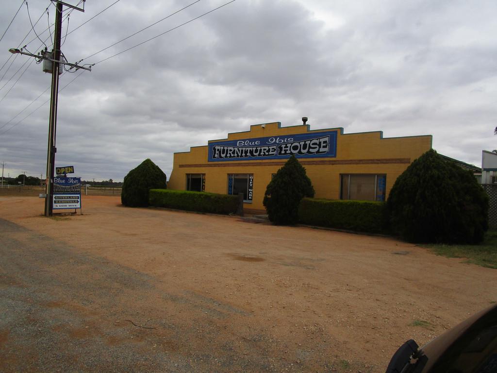 611 Old Sturt Highway GLOSSOP SA 5344Andrews Property