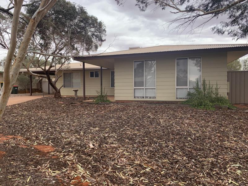 4 TORRENS COURT ROXBY DOWNS SA 5725
